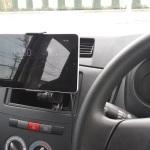 タブレット車載で音楽を聴きたい!ダイハツ ミラバン L275V