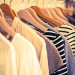 一番簡単に節約できる生活費は、衣服費だと思う