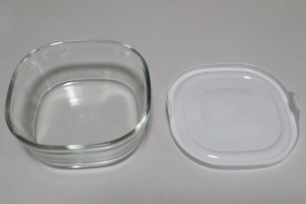 電子レンジで使用可能なふた付きの容器