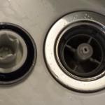 え?外れるの?お風呂の湯船の排水栓の掃除方法 sazana(サザナ)