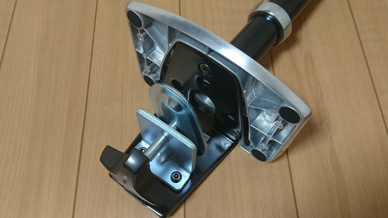 エルゴトロン 45-248-026(デュアル スタッキング)モニターアームのクランプ部