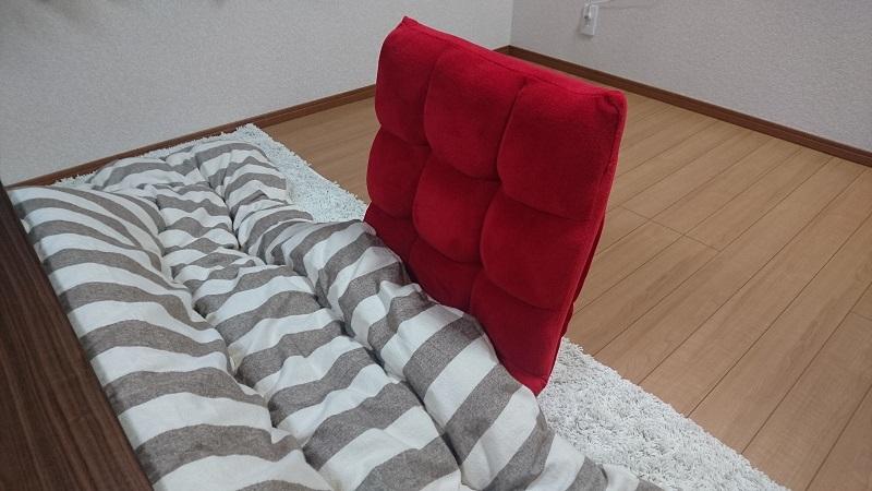 赤い座椅子 100-SNC041とこたつ