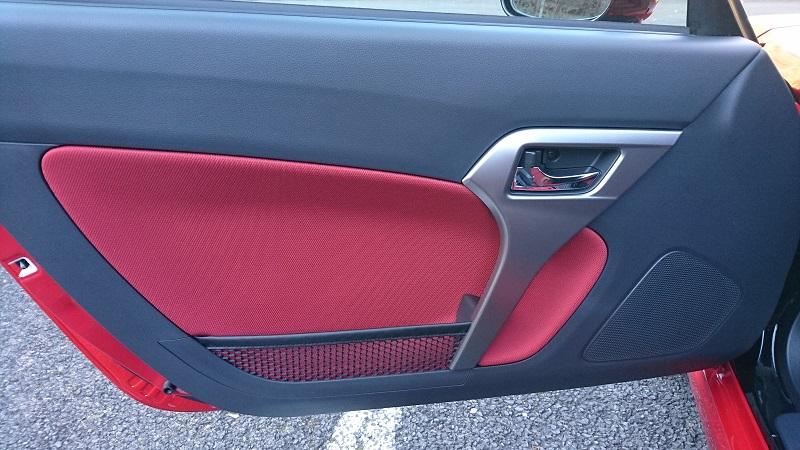 赤いコペン(LA400K)の助手席側のドアの内装