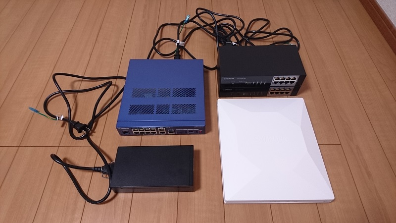 ヤマハのネットワーク機材 SWX2200-8G、YPS-PoE-AT、WLX402、RTX1210