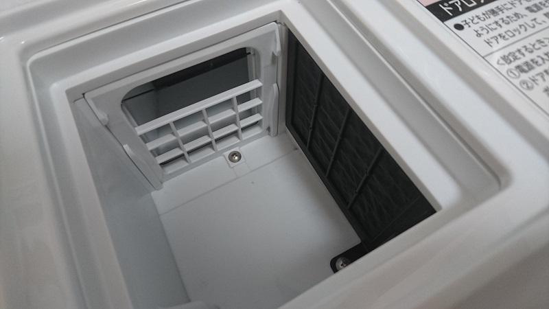 ドラム式洗濯乾燥機 BD-SG100Aの乾燥フィルターを外した状態の本体側の様子