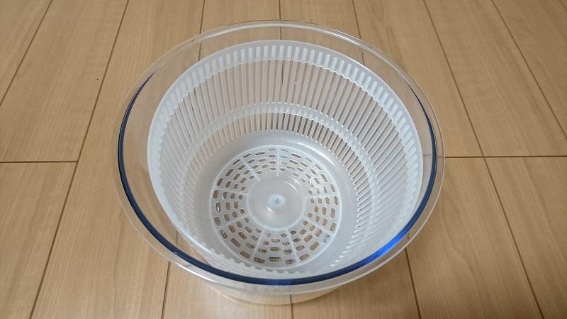 Petit chef Jr C-750の水受け容器に水切りバスケットをセットした状態