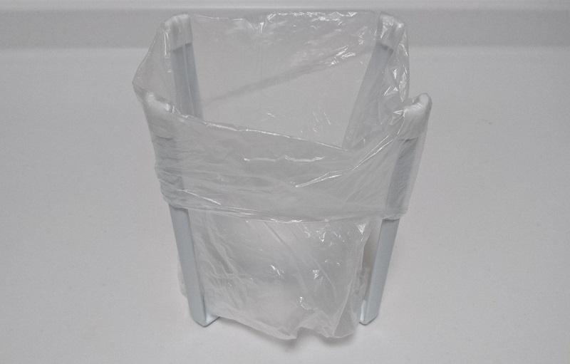 山崎実業 ポリ袋エコホルダー タワーにビニール袋をセットした状態