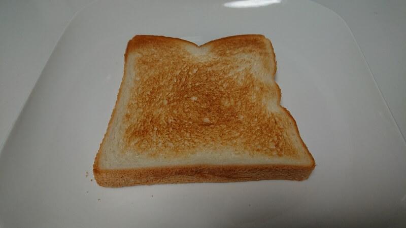 BALMUDA The Toaster(バルミューダ ザ・トースター)を使って焼き上げた冷凍食パン