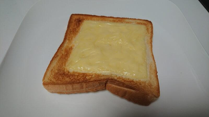 BALMUDA The Toaster(バルミューダ ザ・トースター)を使って焼き上げたチーズトースト